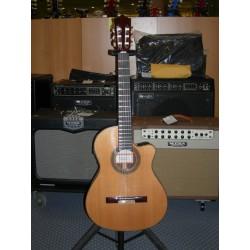 4NCWEF chitarra classica elettrificata Ramirez