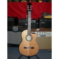 G300CE-NT chitarra classica elettrificata Ibanez