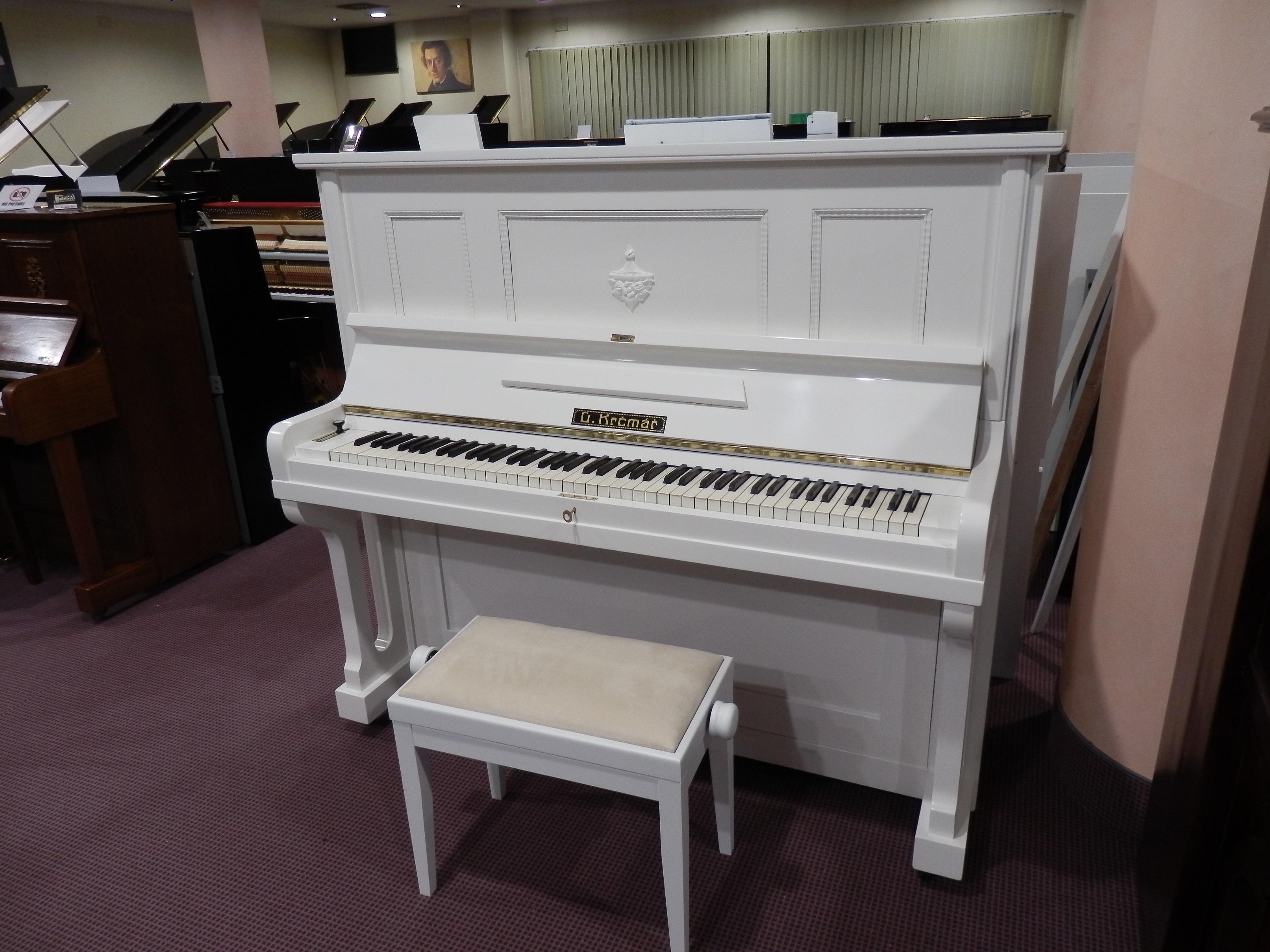 Pianoforte verticale bianco satinato usato g.krcmar strumenti