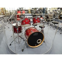 Performance batteria acustica 4 pezzi usata Cherry Red DW