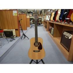 Dreadnought Junior chitarra acustica elettrificata Martin & Co.