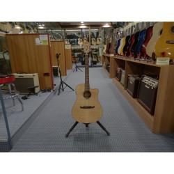 T-Bucket 400CE chitarra acustica elettrificata Fender