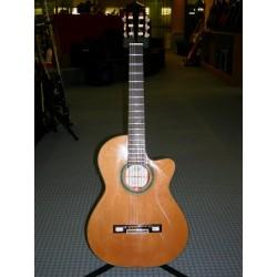 2NCWE chitarra classica elettrificata Ramirez