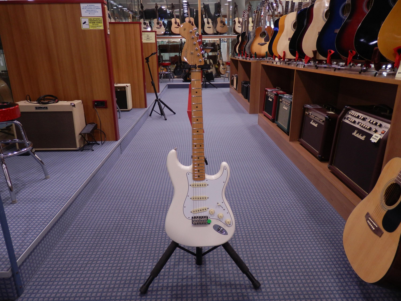 Jimi hendrix stratocaster chitarra elettrica fender messico