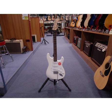 Fender Bullet Stratocaster with Tremolo chitarra elettrica ... ca31eddbea6d