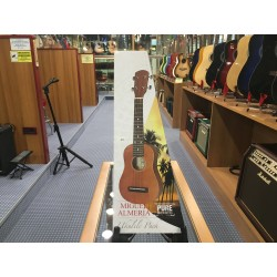 GewaPure ukulele almeria player pack ramato