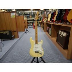 Fender Player Stratocaster Maple Fingerboard Buttercream