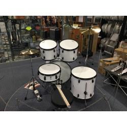 Mi.Lor Drum L-1010 WH Drum Set 5 pezzi completa di meccaniche piatti sgabello colore bianco