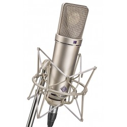 Neumann U 87 AI studioset microfono