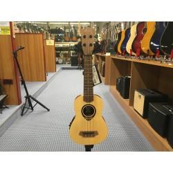 Ibanez BABYTKU150SE baby ukulele elettrico soprano C/BORSA