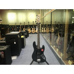 Fender Affinity Series Jazz Bass Black Pickguard Charcoal Frost Metallic